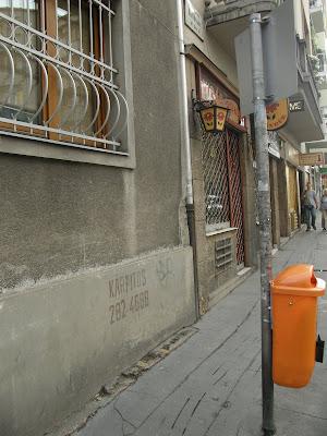 kárpitos, street art, Király István, Budapest, Magyarország, utcai művészet, kárpitos,