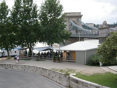 Budapest, Demszky, Fesztival kavezo, Havas Nikolett, kiszáradó fák, korrupció, Lánchíd, Széchenyi Lánchíd, világörökség, world heritage