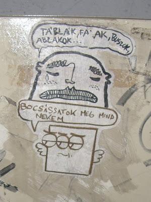 Táblák, falak, buszok, ablakok... bocsássatok meg mind nekem, street art, Budapest, Magyarország, Hungary, matrica, vicc, vicces,  belváros
