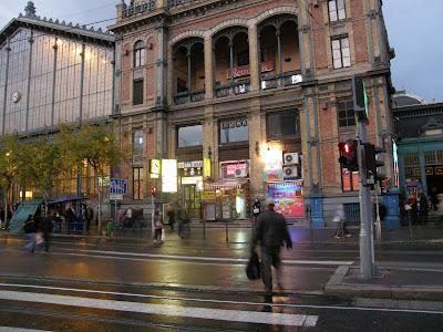 Berlin tér, Budapest, Marx tér, Nyugati pályaudvar, VI. kerület, Lenin körút, Nyugati tér, Teréz körút, Balkán, Bazár, igénytelenség