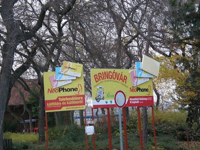 poszter, plakát, reklámtábla, fényreklám,  Margitsziget, XIII. kerület,  Bringóvár, Neophone kártya, bringóhintó