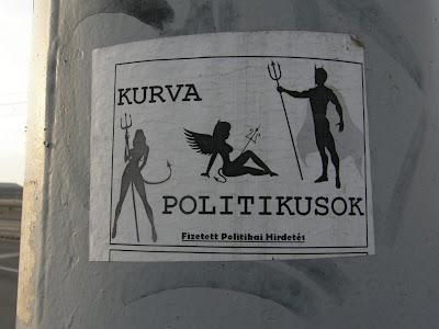 street art, politika, Petőfi híd, Budapest, matrica,  Magyarország, Hungary, Ungarn, kurva politikusok