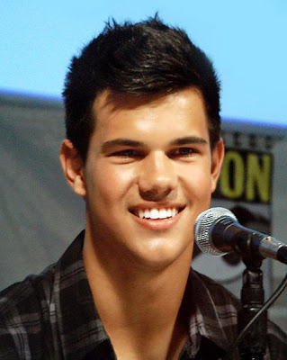 Sharkboy Taylor Lautner returning to 3-D Movie