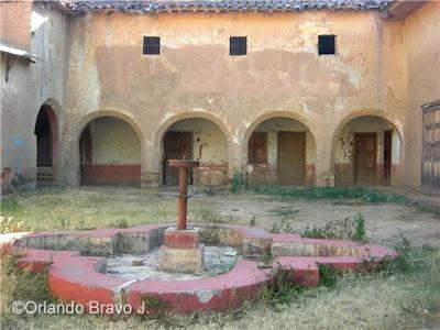 http://4.bp.blogspot.com/_DFbLGSinIDo/R_KwR4IYjMI/AAAAAAAACRI/CKzlJIEQKKQ/s400/hacienda_andabamba_01.jpg
