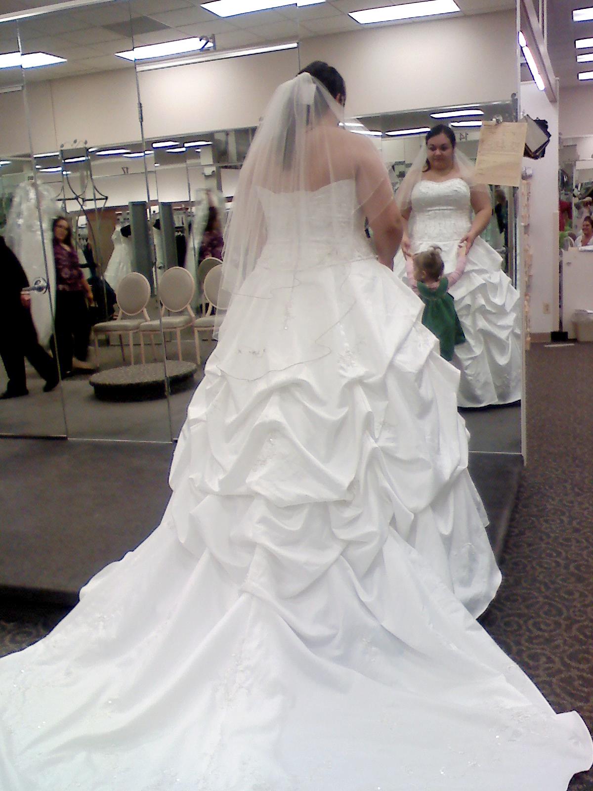 OMG My DIY Wedding: Wedding Dress Part 1(The Tailor)