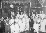Mulleres ourensás asistindo ao baile en homenaxe a Emilita Docet
