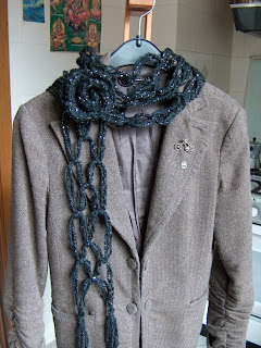 No Knit Scarf Patterns : creativeyarn: No-Knit but Knot Scarf