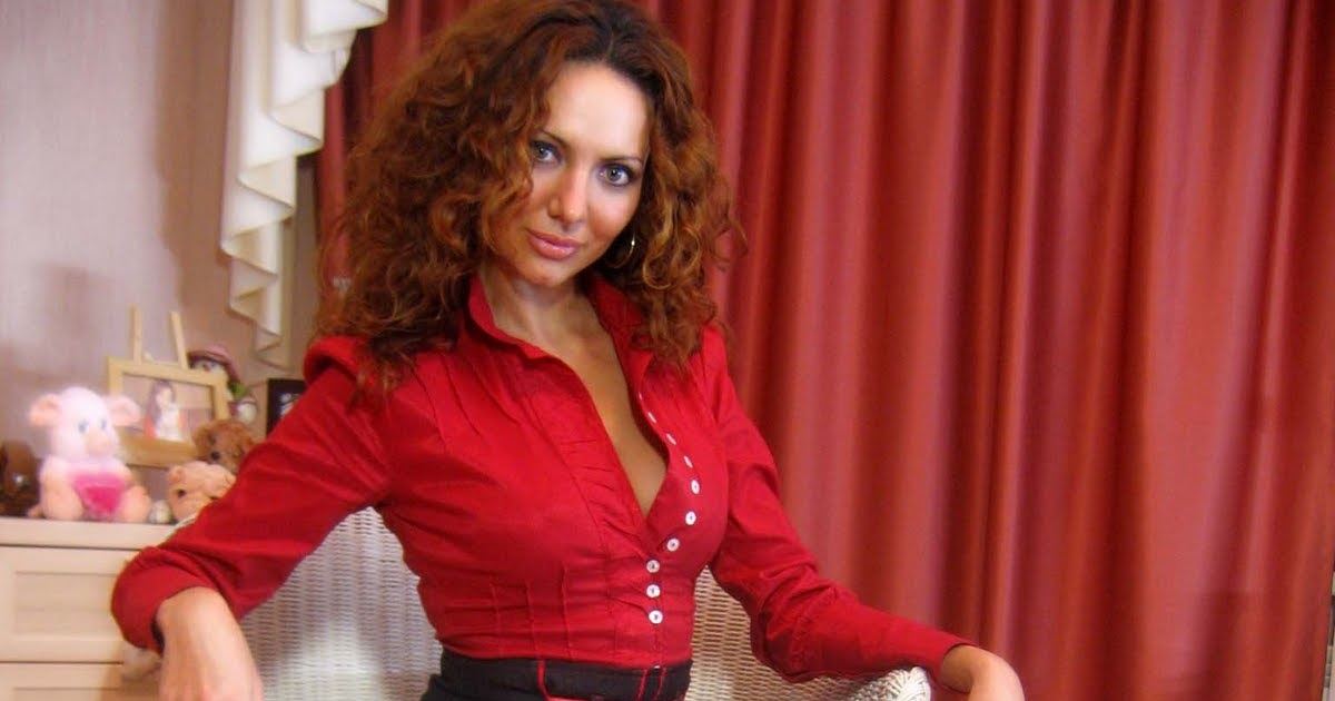 Hot webcam girl Jasmine: Hot webcam girl Jasmine Super hot, seductive lady in sexy outfit