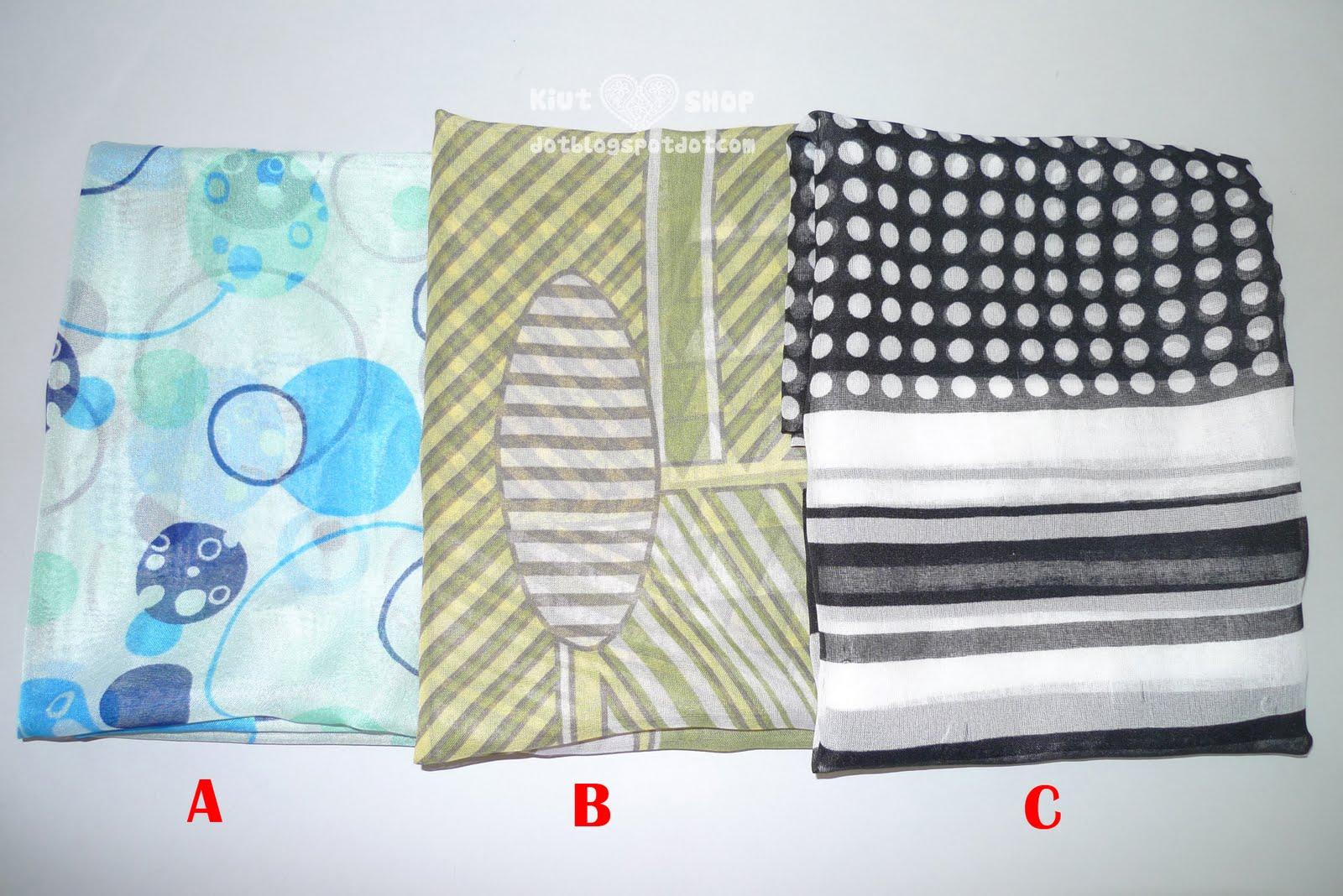 http://4.bp.blogspot.com/_DLALrAbhcZ4/TRlH4I-4pLI/AAAAAAAAB8g/cwLyiIPm9PE/s1600/Tie%2BRack%2BScarves.jpg