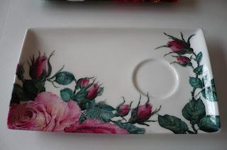 la caverne aux serviettes pot a charbon porcelaine collage de serviettes en papier fleurs. Black Bedroom Furniture Sets. Home Design Ideas