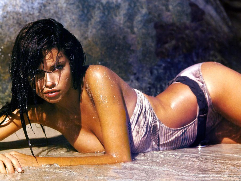 http://4.bp.blogspot.com/_DMWzWKM3hqc/TCXvp_d1T9I/AAAAAAAAAw4/kuIZTEUVBKQ/s1600/Adriana-Lima-73.JPG