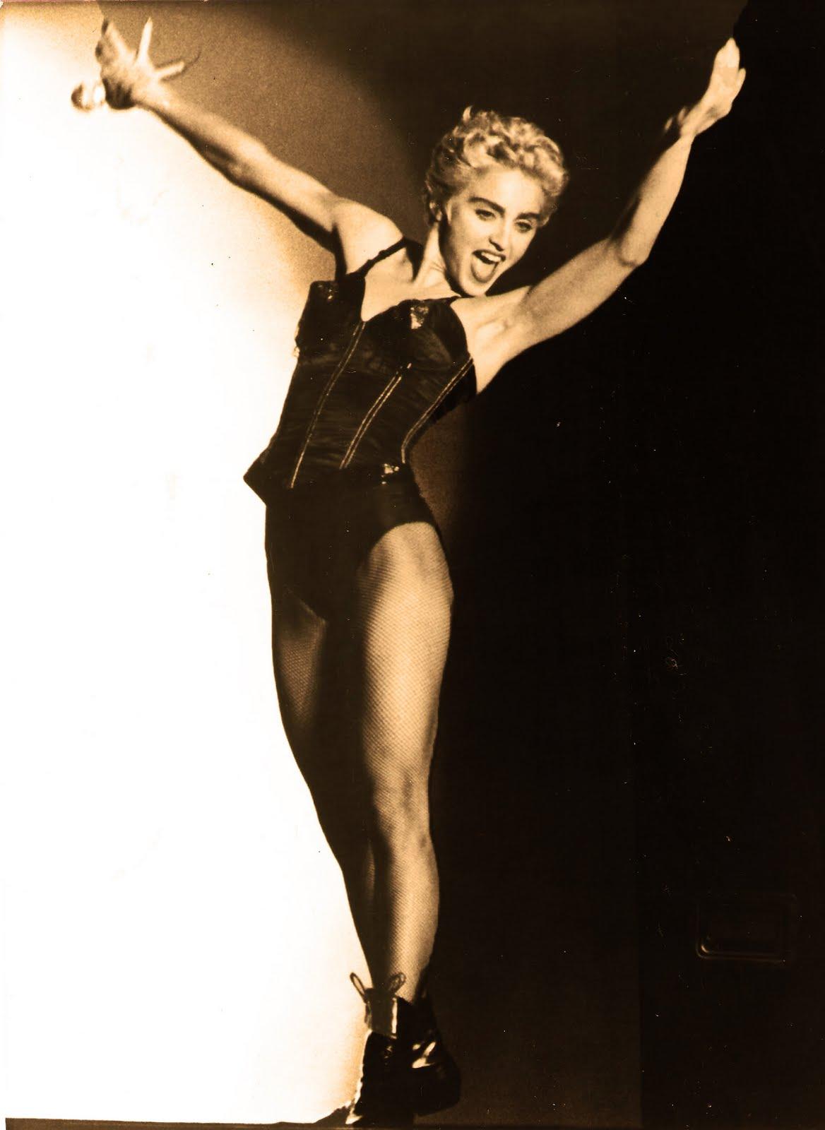 http://4.bp.blogspot.com/_DN8rS85Kwb8/TPzXnzRCFVI/AAAAAAAAAIg/yRGJF-YU6lk/s1600/Madonna87.jpg