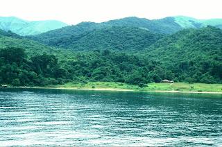 artikel-populer.blogspot.com - 10 Danau Terbesar Di Dunia