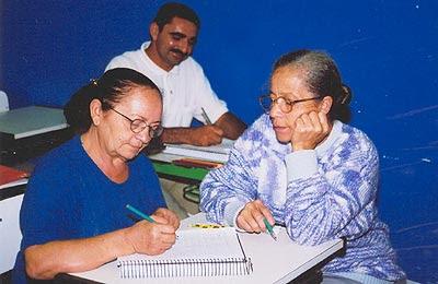 Imagem: Educação de Jovens e Adultos - EJA