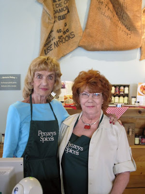 The Ladies of Penzeys Spices | meljoulwan.com