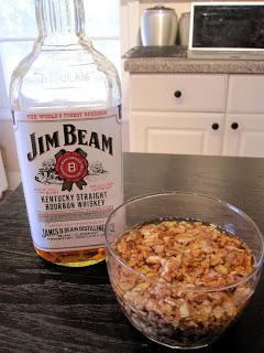 Bourbon Soaked Pecans | meljoulwan.com