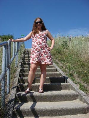 mijn mooie zwangere vrouw in de duinen van sluis