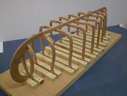 Um colega modelista brasileiro associou-se a este projecto e está a construir uma muleta.