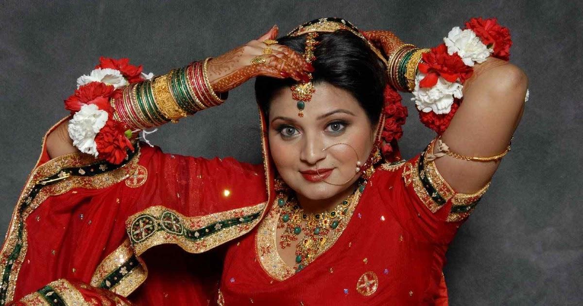 ASIAN GIRLS: INDIAN DESI GIRL HOT PHOTOS AUNTIES NAVEL