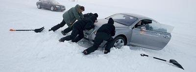 Køb vinterdæk så du undgår at køre af vejen