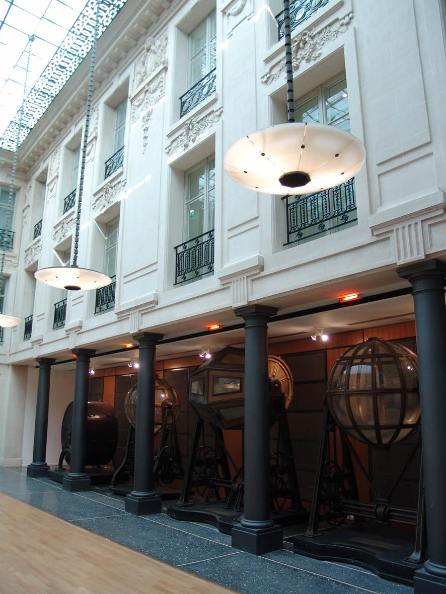 Loft connexion by samuel johde salle de r ception for Surfaces atypiques paris