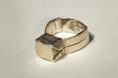 http://4.bp.blogspot.com/_DTJANRj4b6U/SjaqypnRg9I/AAAAAAAAAGQ/Q3uz3LpSLGs/s400/ring(2).jpg