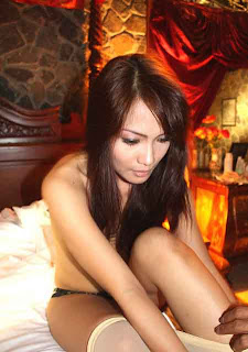 Ibu seorang aktres Indonesia, Jenny Cortez (gambar) dil