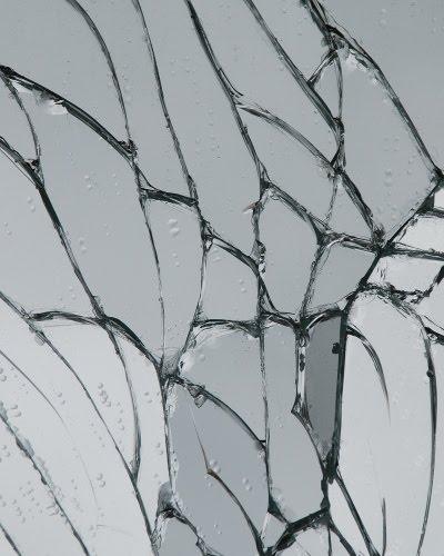 Knust spejl - Broken mirror