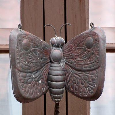 Dyr i Fredericia, nysgerrig sommerfugl (gadespejl)