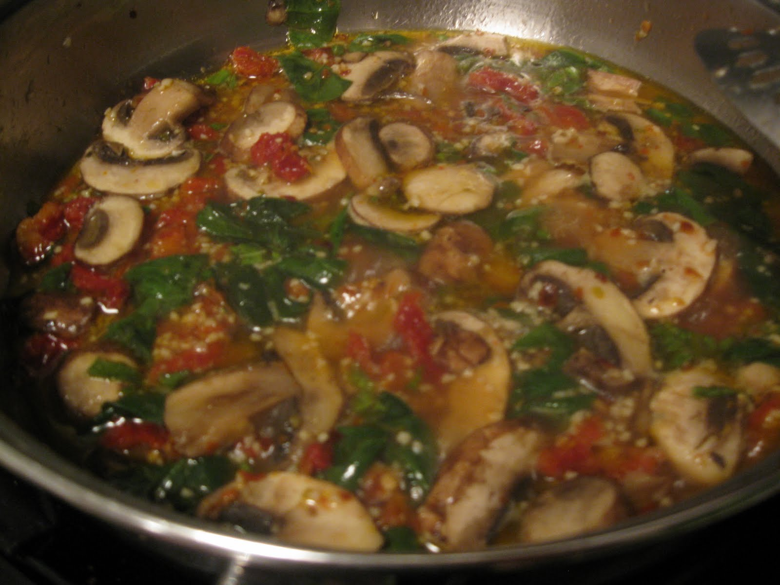 Hope You're Hungry: Spinach, Mushroom, and Sun Dried Tomato Pasta