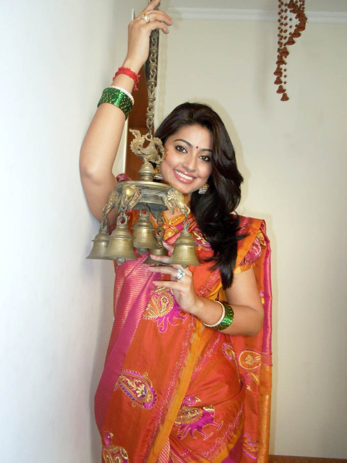 sneha pongal special traditional saree