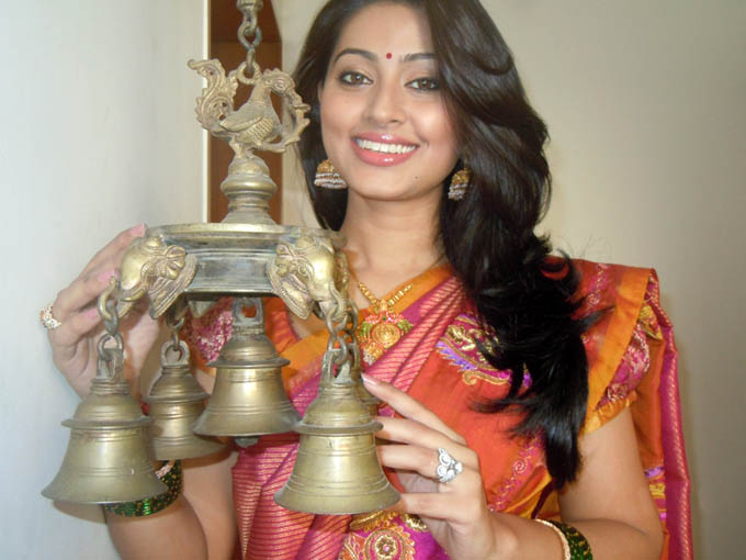 sneha pongal special traditional saree hot photoshoot