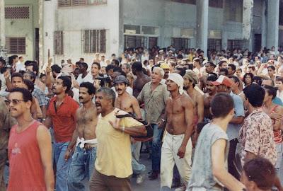 SACADO DEL BLOG DESARRAIGOS PROVOCADOS,una serie de fotos ineditas de lo que se vivio aquel dia... Opstand+Havana+1
