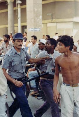 SACADO DEL BLOG DESARRAIGOS PROVOCADOS,una serie de fotos ineditas de lo que se vivio aquel dia... Opstand+Havana+20