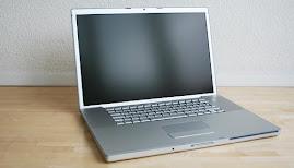 Cécile utilise un ordinateur portable
