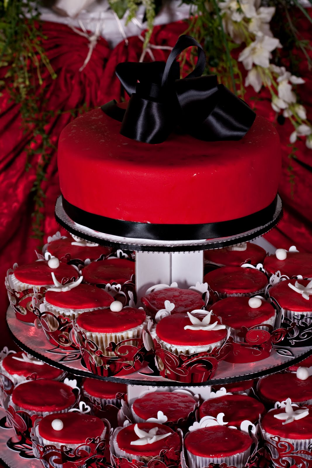 Jocelyn s Wedding Cakes and More....: Leslie s Debut Cake