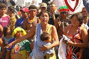 Mães e crianças indígenas desesperadas pela truculência policial (mã£e indãgena com bebe)