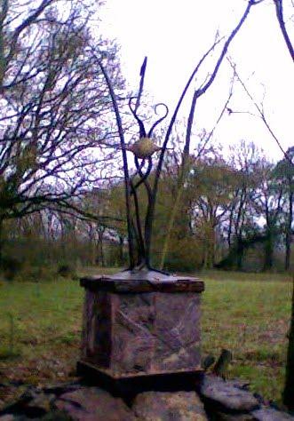 sculpturne -sculpture pour urne funéraire