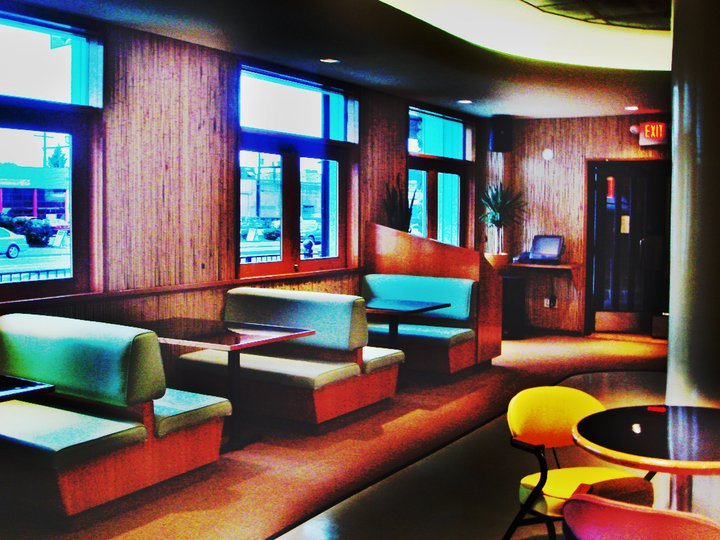 Waldorf Hotel Cafe