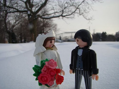 I 39ll be using these cute Playmobil figurines as bride and groom wedding cake