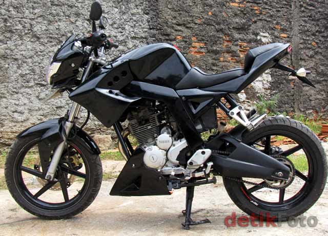 2011 Yamaha Scorpio Street Fighter title=