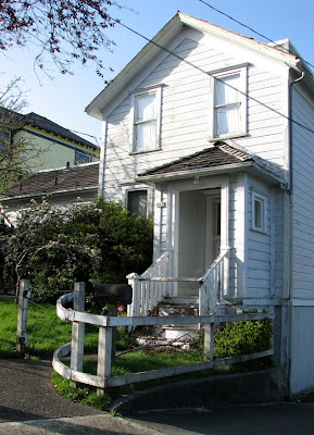 House with Curved Fence, Grand Avenue, Astoria, Oregon