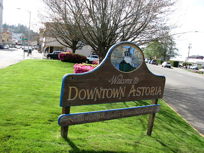 Astoria Downtown Welcome Sign