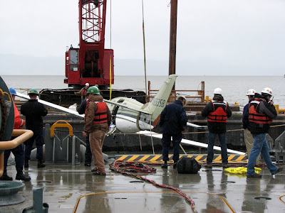 Raising the plane from the Columbia River