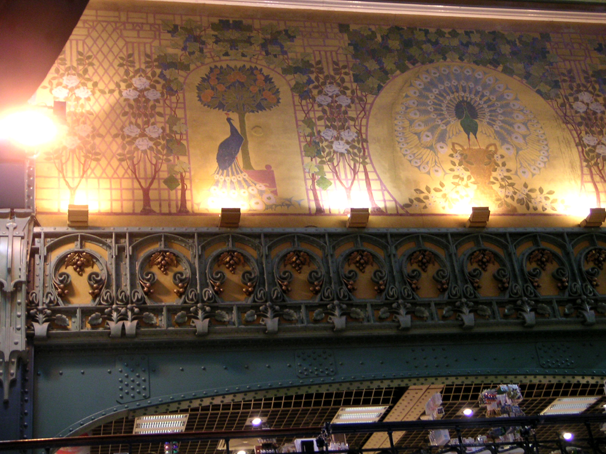 Art Nouveau design inside La Samaritaine
