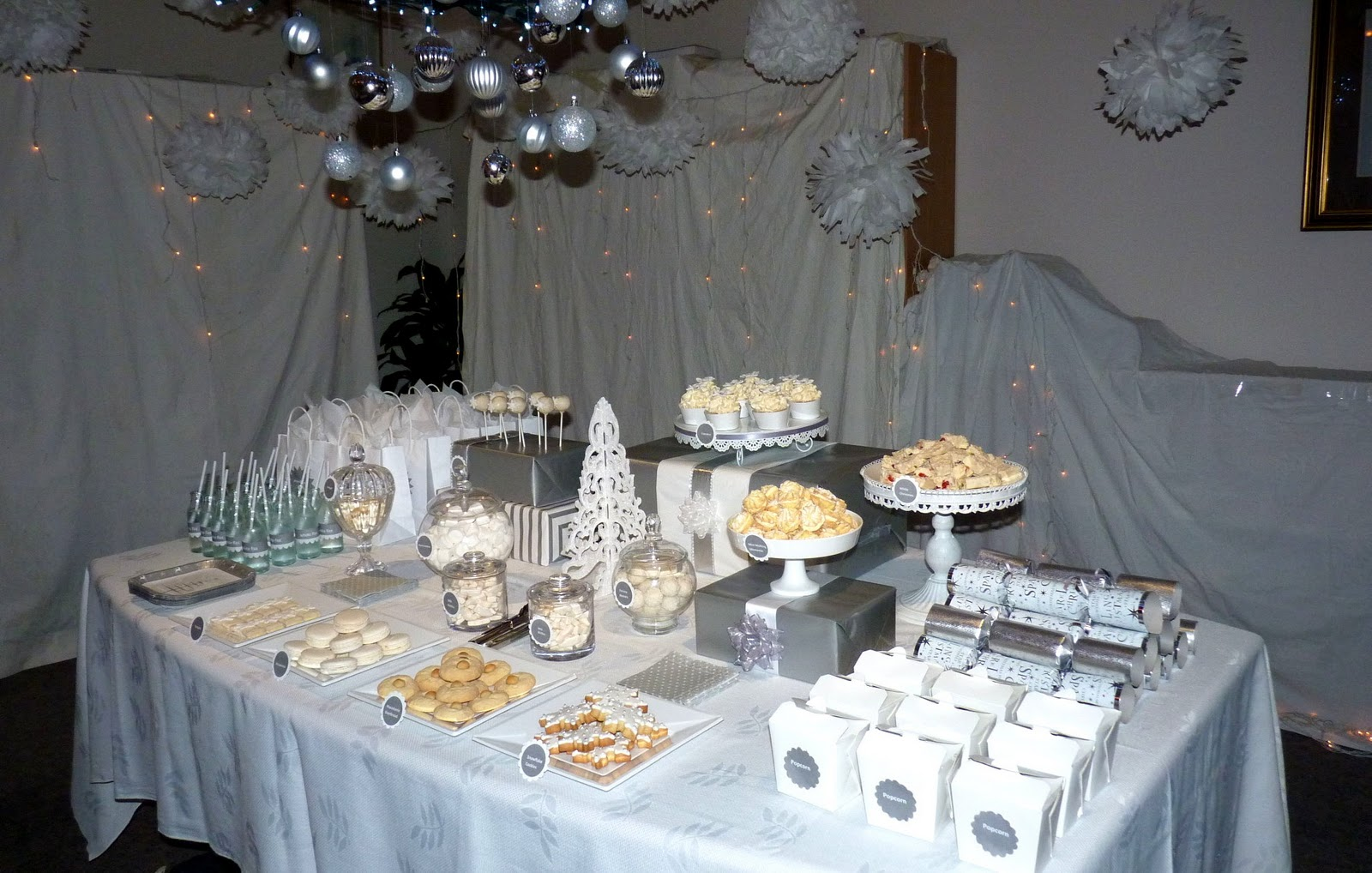 Bubble and sweet white christmas wonderland party for All white party decoration ideas