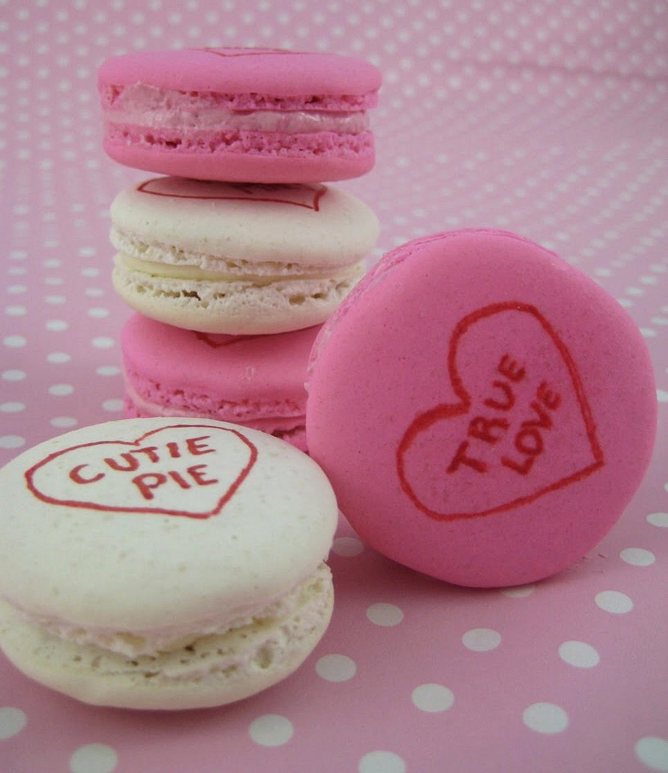 Fesselnd Conversation Heart Macarons For Valentines