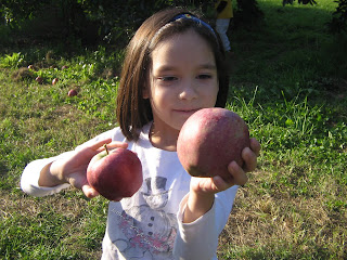 DD with Red Delicious Apples