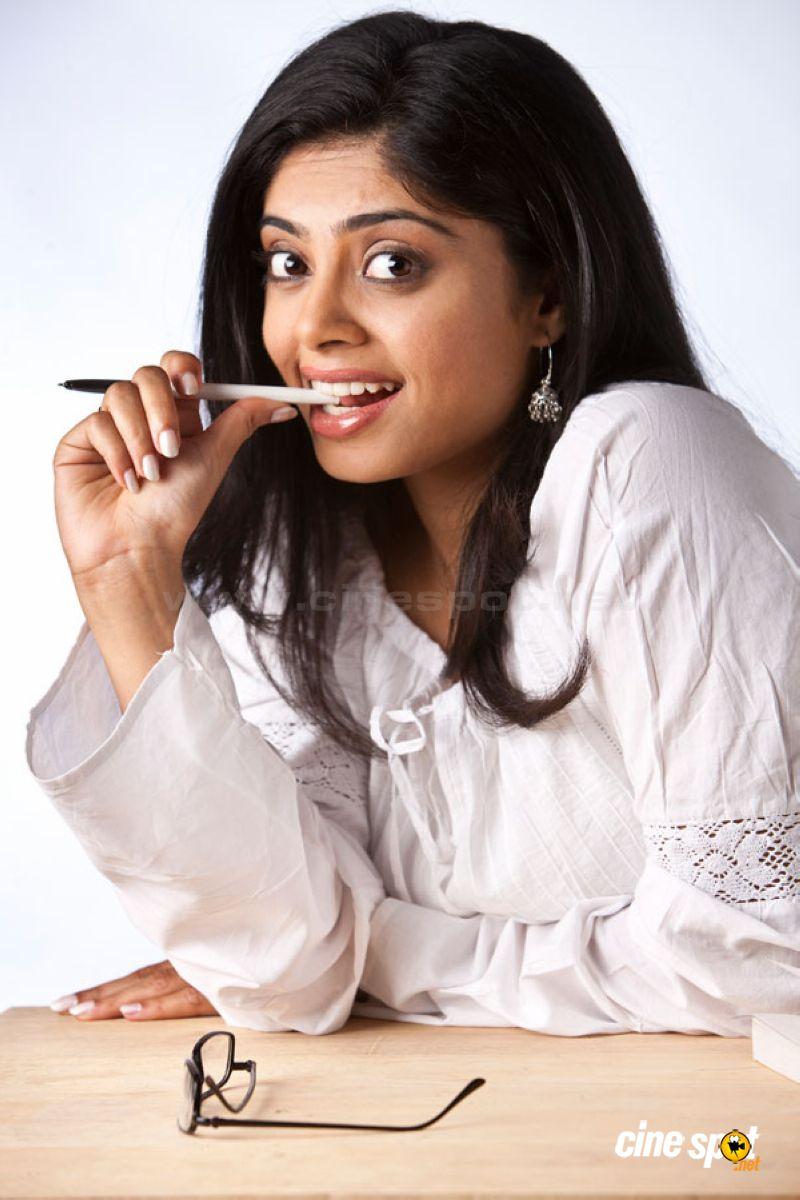 Shika Actress Sexy Photo Shika Tamil Movie Hot sexy spicy actress ...