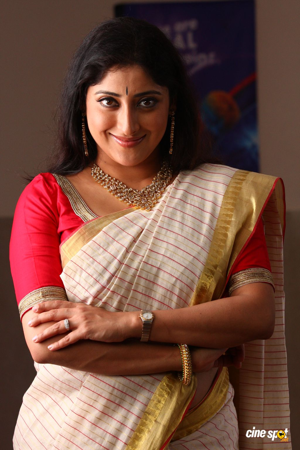 Lakshmi gopalaswami Malayalam hot sexy Actress new photos Stills    Lakshmi Gopalaswami Navel Show